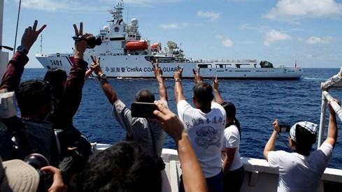 Nửa ngày sau phán quyết Biển Đông: Mỹ kiềm chế, Trung Quốc dọa lập ADIZ - ảnh 2
