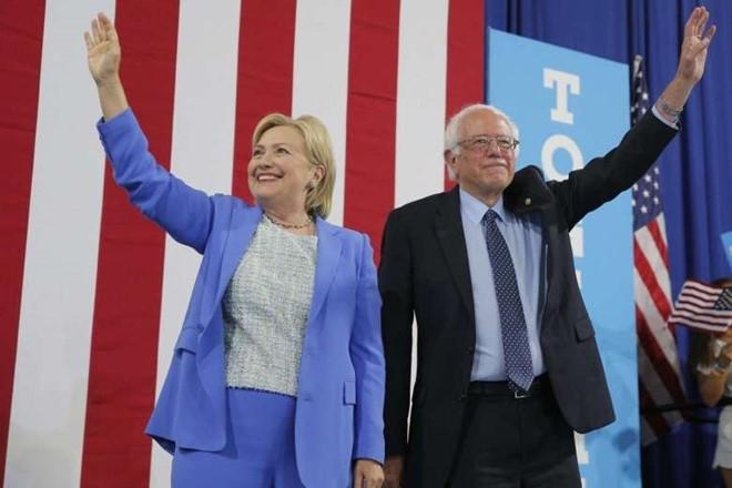 Sanders: Clinton phai tro thanh tong thong My hinh anh 1