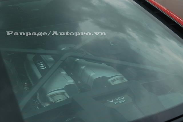 Siêu xe của Phan Thành sử dụng động cơ V10, dung tích 5,2 lít tương tự như phiên bản tiêu chuẩn. Tuy nhiên, động cơ đã được tinh chỉnh giúp đạt công suất tối đa 610 mã lực và mô-men xoắn cực đại 540 Nm.