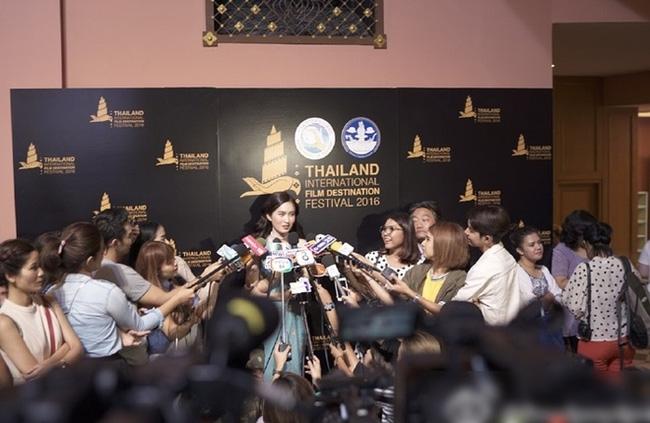 Hoa hậu chuyển giới Nong Poy lại gây ấn tượng với nhan sắc quá đỗi xinh đẹp - Ảnh 6.
