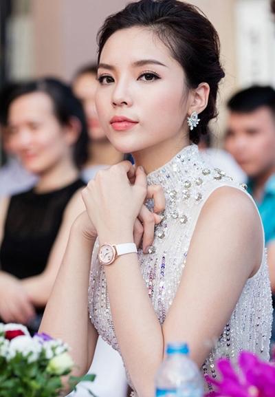 luat-su-bao-ve-hoa-hau-ky-duyen-nhu-the-nao-truoc-nhung-scandal