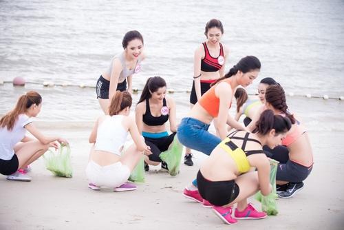 Thí sinh Hoa hậu VN khoe eo thon bên biển Hạ Long - 4