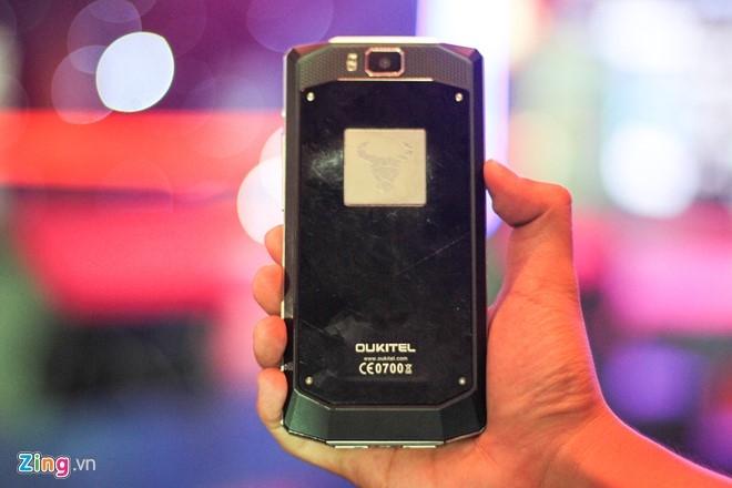 Anh thuc te smartphone pin 10.000 mAh, gia 5,9 trieu tai VN hinh anh 8