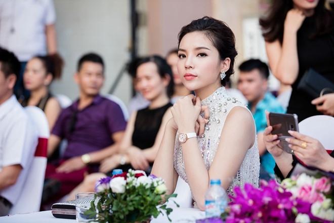 BTC Hoa hau Viet Nam len tieng ve clip Ky Duyen hut thuoc hinh anh 1