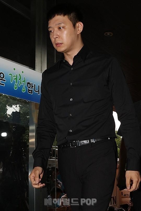 Cảnh sát cáo buộc Park Yoochun vì tội gạ gẫm mại dâm, công nhận cô Lee có hành vi tống tiền - Ảnh 2.