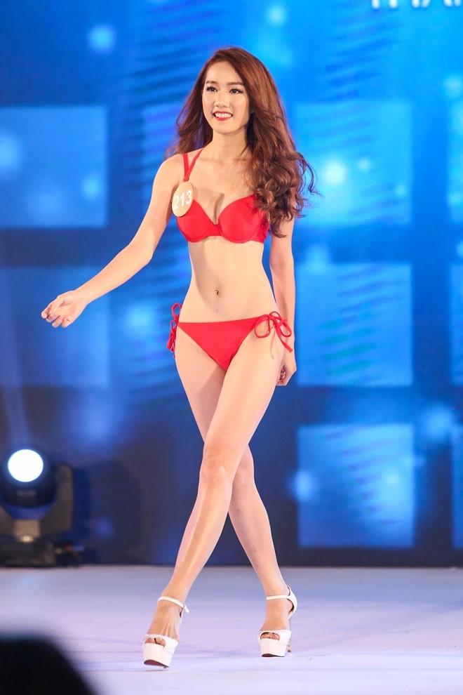 Thi sinh HH Ban sac Viet lo nhuoc diem hinh the vi bikini hinh anh 7