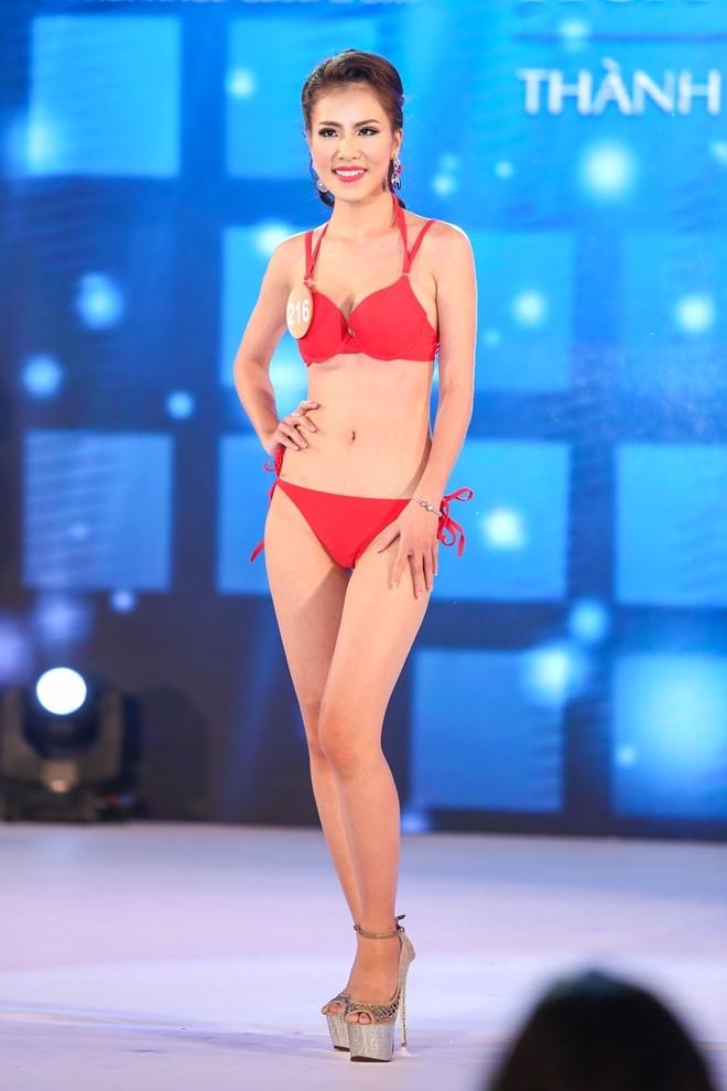 Thi sinh HH Ban sac Viet lo nhuoc diem hinh the vi bikini hinh anh 8