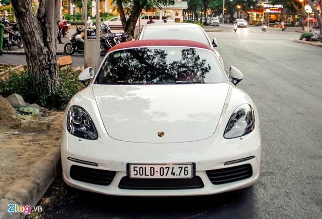 Xe the thao Porsche 718 Boxster dau tien o Sai Gon hinh anh 1