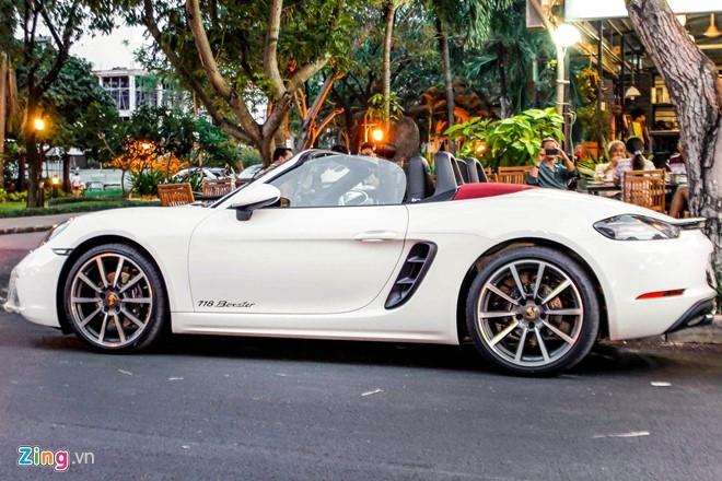 Xe the thao Porsche 718 Boxster dau tien o Sai Gon hinh anh 3