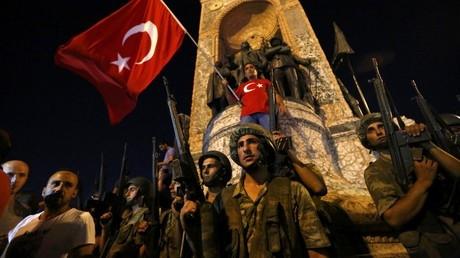 Dao chinh quan su o Tho Nhi Ky, quan doi chiem Istanbul hinh anh 1