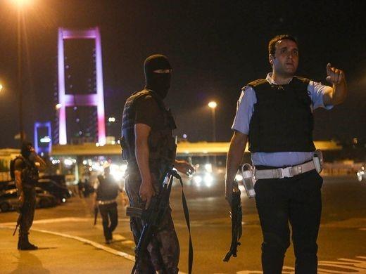 Dao chinh quan su o Tho Nhi Ky, quan doi chiem Istanbul hinh anh 3