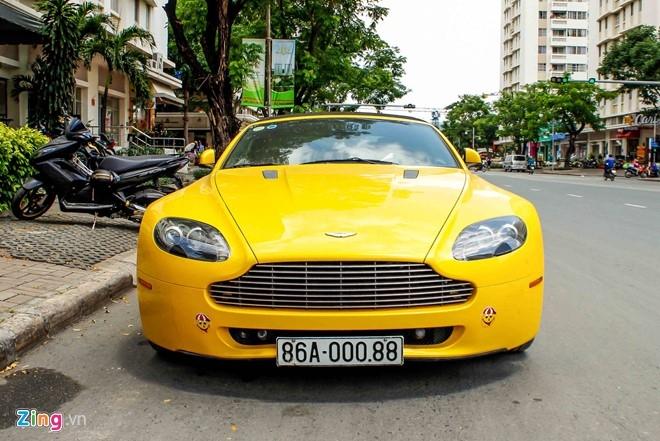 Xe the thao hang hiem Aston Martin Vantage tai Sai Gon hinh anh 2