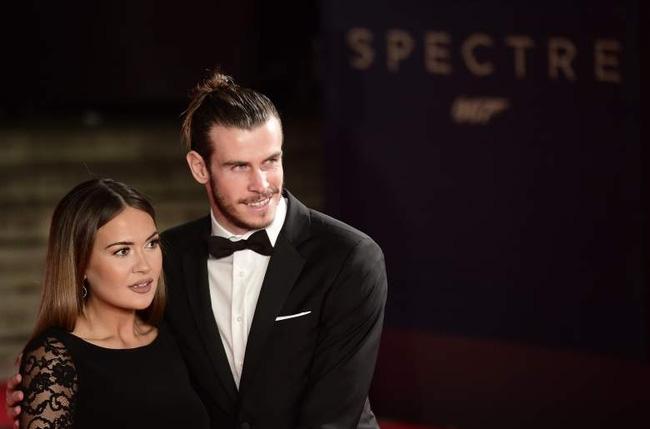 Bạn gái chính thức nhận lời cầu hôn của Gareth Bale - Ảnh 2.