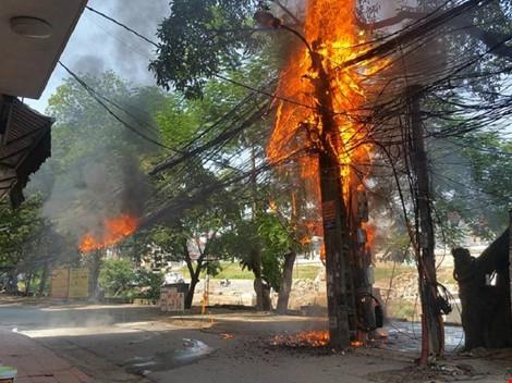 cháy cột điện