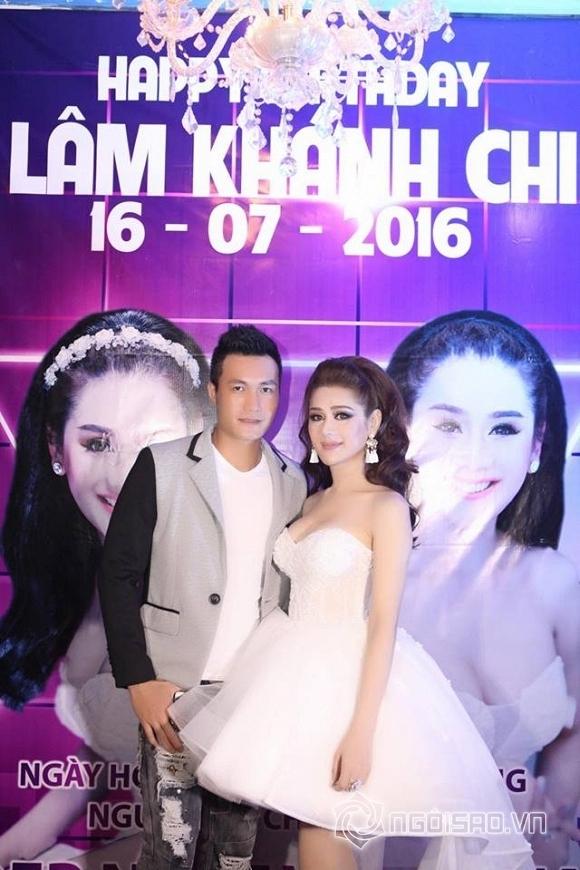 Lâm Chi Khanh thay váy liên tục trong tiệc sinh nhật hoành tráng 11