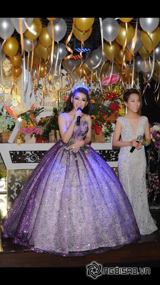 Lâm Chi Khanh thay váy liên tục trong tiệc sinh nhật hoành tráng 3