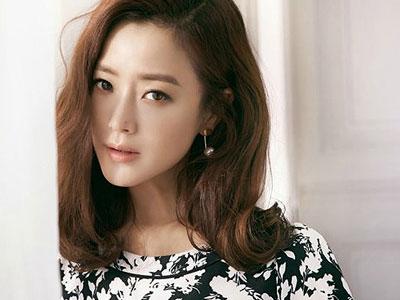 Kim Hee Sun muốn đông con như Victoria Beckham