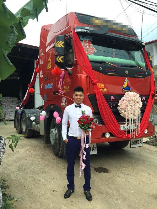 Chú rể Cao Bằng mang hai xe container đi đón dâu
