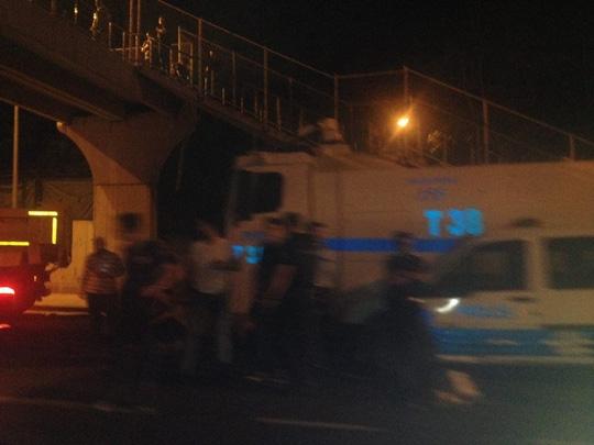 An ninh được tăng cường ở Istanbul tối 17-7. Ảnh: TWITTER