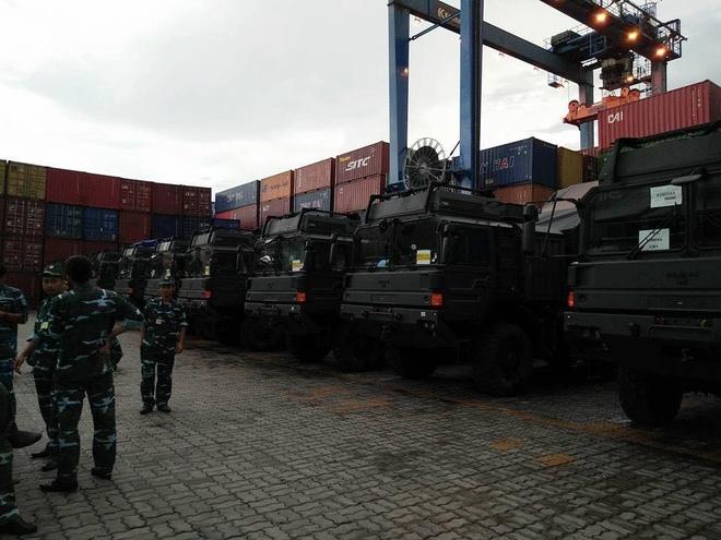 Tính năng ưu việt của xe đầu kéo hạng nặng vừa cập cảng Việt Nam - Ảnh 4.