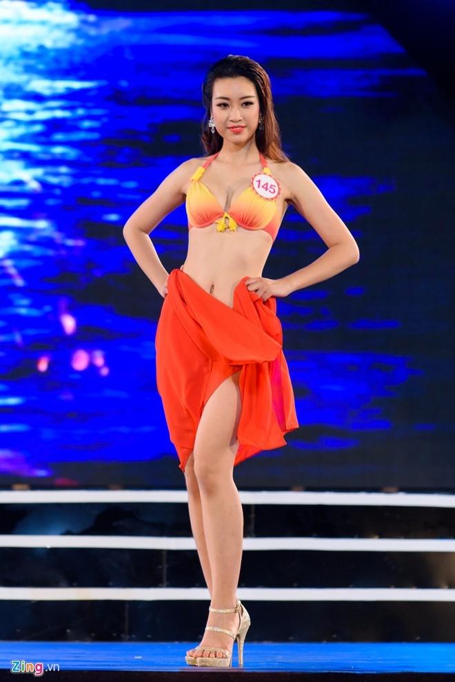 Top 18 Hoa hau Viet Nam mien Bac nong bong voi ao tam hinh anh 9