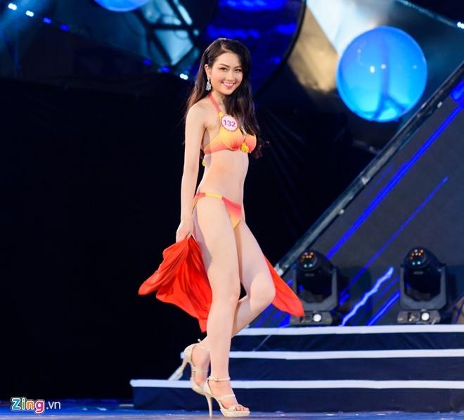 Top 18 Hoa hau Viet Nam mien Bac nong bong voi ao tam hinh anh 10
