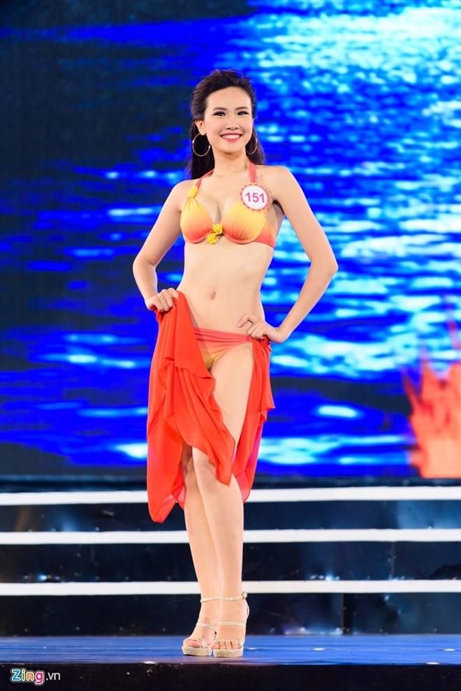 Top 18 Hoa hau Viet Nam mien Bac nong bong voi ao tam hinh anh 13