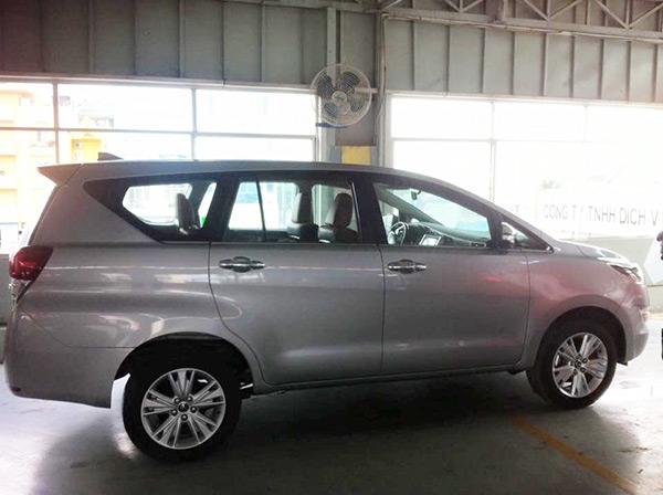 Toyota Innova 2016 đã được đưa tới đại lý