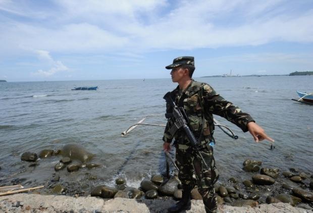 Oanh tạc cơ Trung Quốc đe dọa ở Biển Đông - ảnh 1