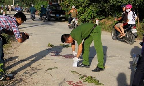 Tài xế taxi nằm chết giữa đường với nhiều vết đâm - ảnh 2