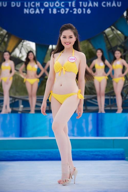 Thí sinh HHVN diễn bikini tranh giải Người đẹp biển - 1