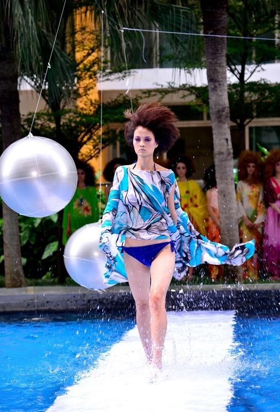 Tuyển tập những sàn catwalk kinh khủng nhất của Vietnams Next Top Model - Ảnh 6.