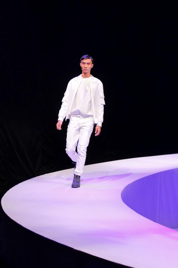 Tuyển tập những sàn catwalk kinh khủng nhất của Vietnams Next Top Model - Ảnh 19.