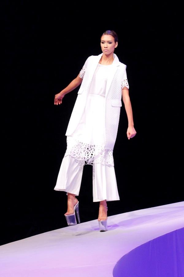Tuyển tập những sàn catwalk kinh khủng nhất của Vietnams Next Top Model - Ảnh 20.