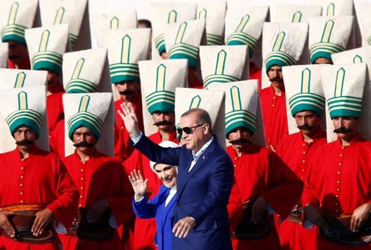 Con duong chinh tri cua Tong thong Erdogan qua anh-Hinh-3
