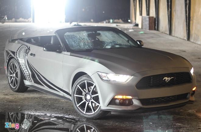 Ford Mustang GT mui tran do may va ngoai that o Sai Gon hinh anh 2