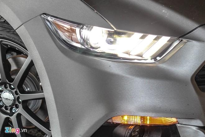 Ford Mustang GT mui tran do may va ngoai that o Sai Gon hinh anh 3