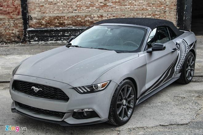 Ford Mustang GT mui tran do may va ngoai that o Sai Gon hinh anh 4