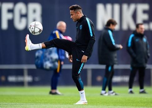 Neymar tâng bóng thua ông chủ Facebook - ảnh 2