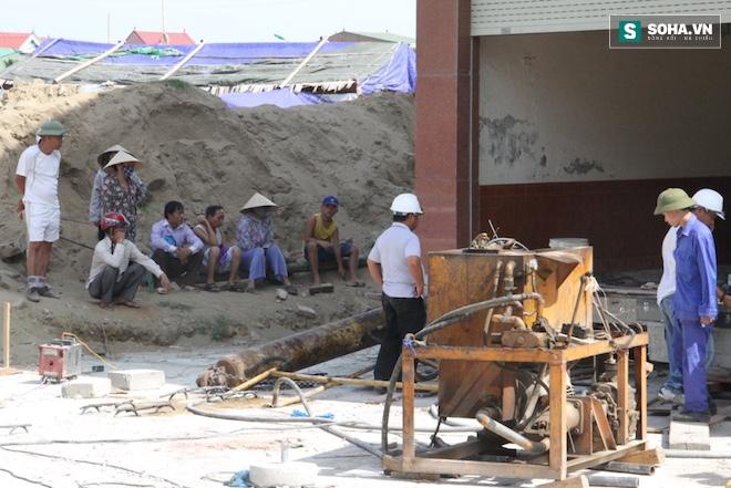 Quá trình di chuyển căn nhà nặng 800 tấn lùi xa 35m ở Nghệ An - Ảnh 8.