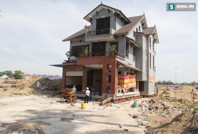 Quá trình di chuyển căn nhà nặng 800 tấn lùi xa 35m ở Nghệ An - Ảnh 12.