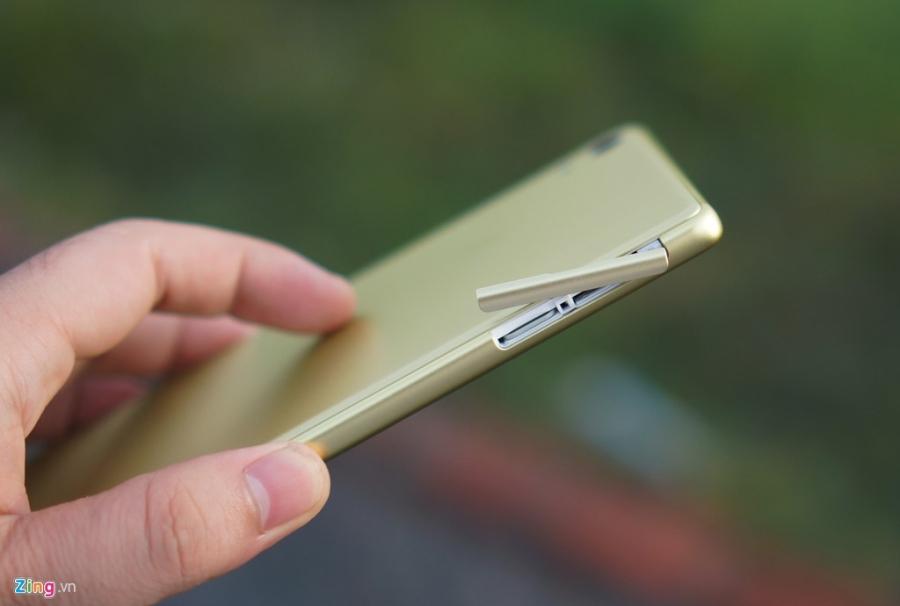 Sony Xperia XA Ultra - phablet dang dep, gia 9 trieu dong hinh anh 3
