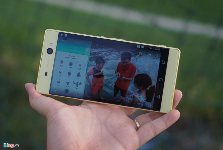 Sony Xperia XA Ultra - phablet dang dep, gia 9 trieu dong hinh anh 11