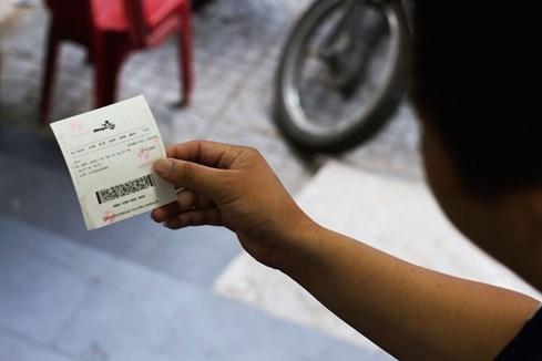 Vé số độc đắc triệu USD ở Việt Nam đầu tiên thuộc về ai? - ảnh 1