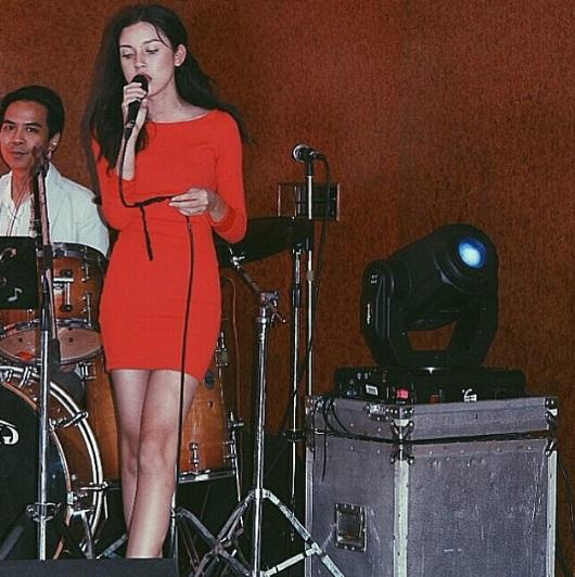 Clip: Mỹ nữ Thái Lan mang 2 dòng máu bất ngờ nổi tiếng bởi màn rap siêu chất trên truyền hình - Ảnh 14.