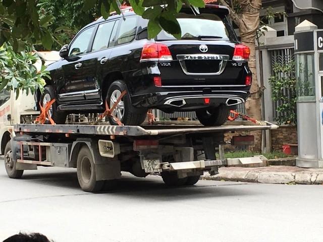 Dòng xe hạng sang Land Cruiser mà tỉnh Ninh Bình được doanh nghiệp biếu tặng (ảnh minh họa)