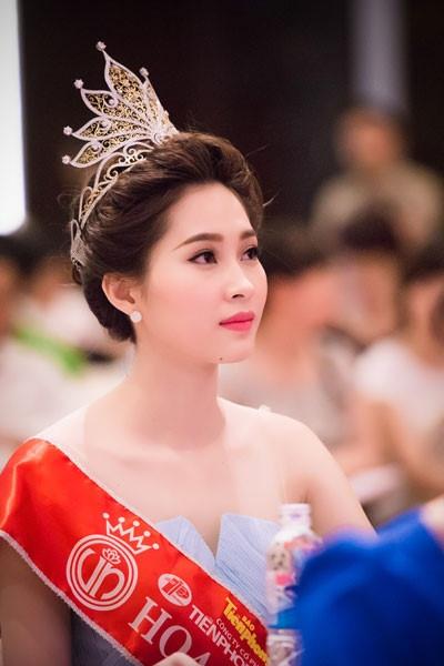 Chuyện hậu trường không phải ai cũng biết của Hoa hậu Việt Nam - Ảnh 4.
