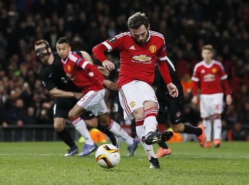 Juan Mata tạo dựng hình ảnh tích cực tại Man United hơn 2 năm qua