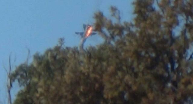 Máy bay Su-24 của Nga bị bắn rơi gần biên giới Syria tháng 11/2015. (Ảnh: Reuters)