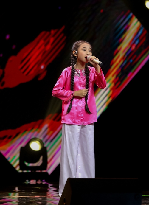 be-10-tuoi-khoe-giong-hat-khung-tai-the-voice-kids-10